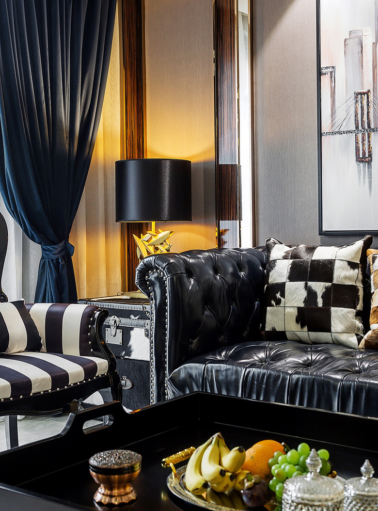 客厅图片来自家装大管家在幸福时光 145平新古典混搭轻奢居的分享