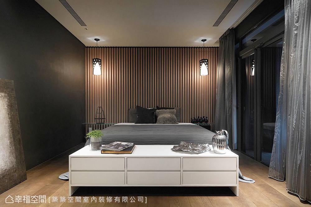 四居 现代 别墅 卧室图片来自幸福空间在以幸福为名 砌筑264平梦想雅居的分享
