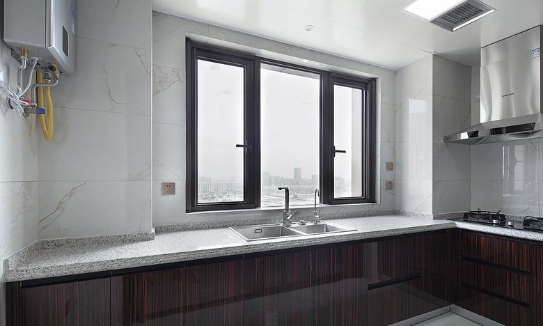 厨房图片来自家装大管家在过目不忘 138平新中式韵味4居室的分享