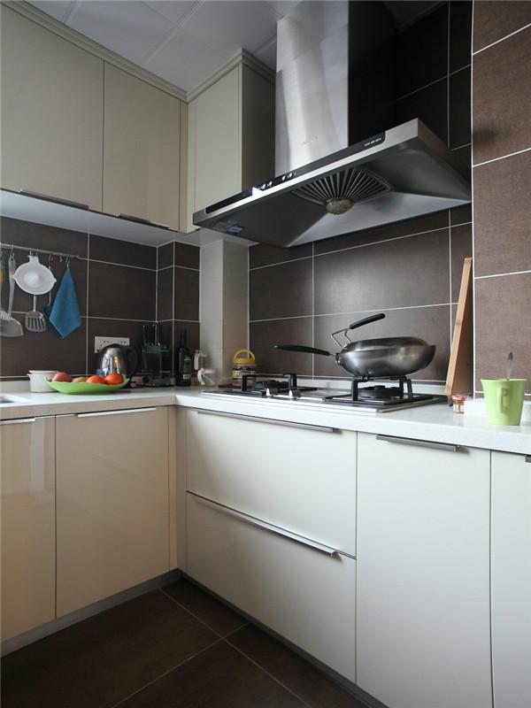 简约 现代 三居 大户型 80后 小资 白领 公寓 厨房图片来自高度国际姚吉智在140平米现代简约三居沉色黯香来的分享