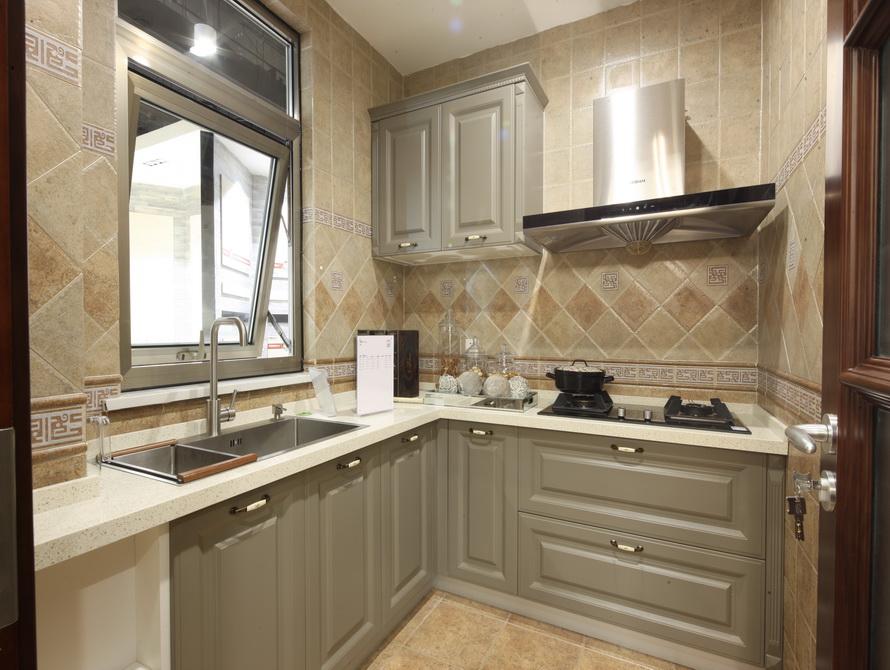 美式风格 三居 厨房图片来自极装吉住装修在92平小美式风格三世同堂尽享天伦的分享