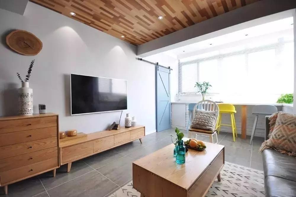 简约 北欧风格 二居 旧房改造 客厅图片来自极装吉住装修在85㎡美酷小空间,地板上墙还上天的分享
