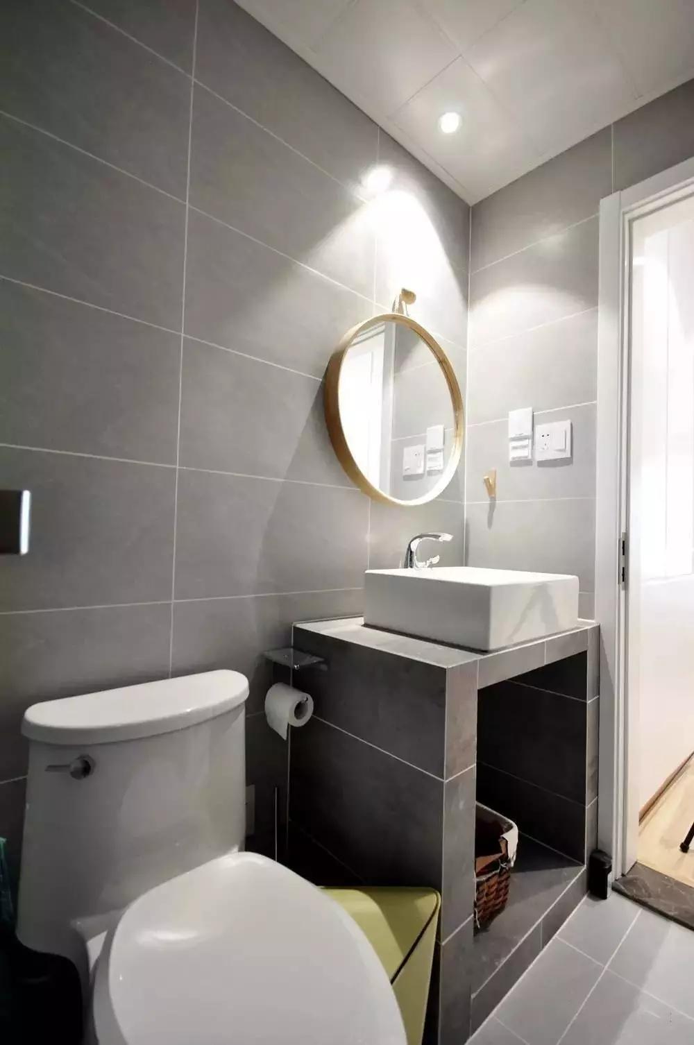 简约 北欧风格 二居 旧房改造 卫生间图片来自极装吉住装修在85㎡美酷小空间,地板上墙还上天的分享