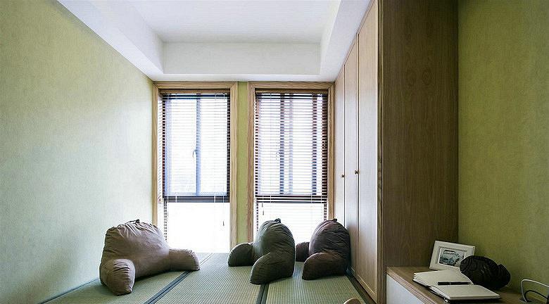 书房图片来自家装大管家在88平二室二厅 温暖原木自然混搭的分享