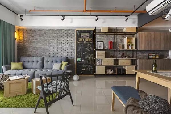房子是大开间,室内没有太多隔断墙,所以各个区域基本都是连在一起的,只用了些软装饰做隔断。