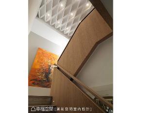 三居 现代 别墅 楼梯图片来自幸福空间在有如艺廊般的家 330平休闲度假宅的分享