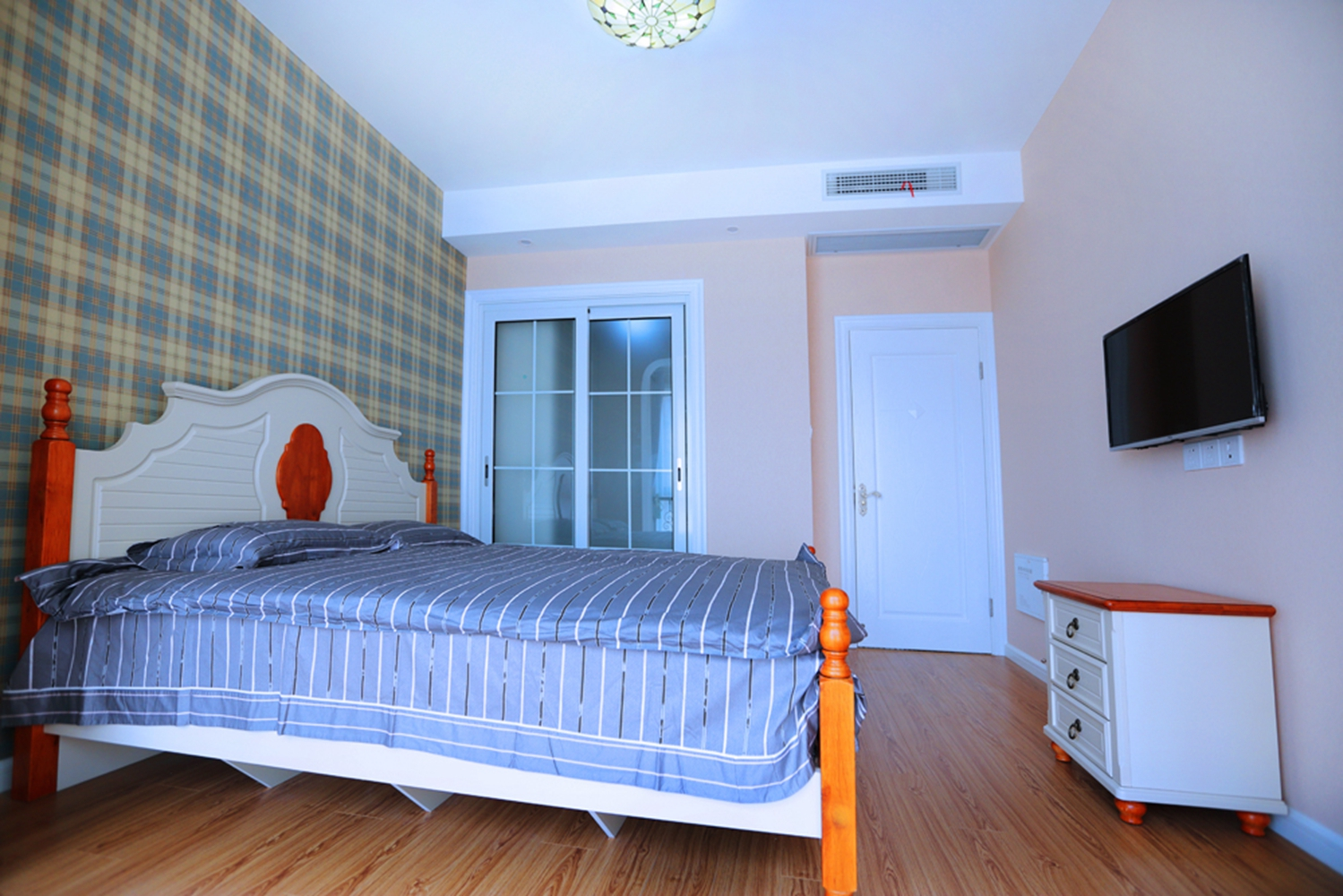 卧室图片来自设计师胡狸在爱似海深的分享