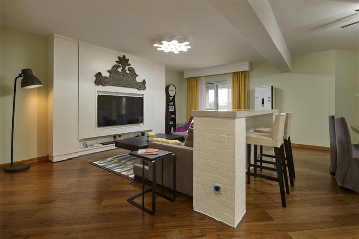 混搭 简约 旧房改造 收纳 小资 北欧 客厅图片来自盒子设计在未末的分享