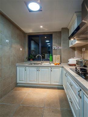 中式 三居 四居 大户型 公寓 复式 小资 厨房图片来自高度国际姚吉智在140平米新中式如兰似茶东方韵味的分享