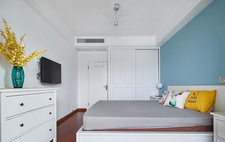 卧室图片来自家装大管家在90平极简北欧居 舒适惬意永相随的分享
