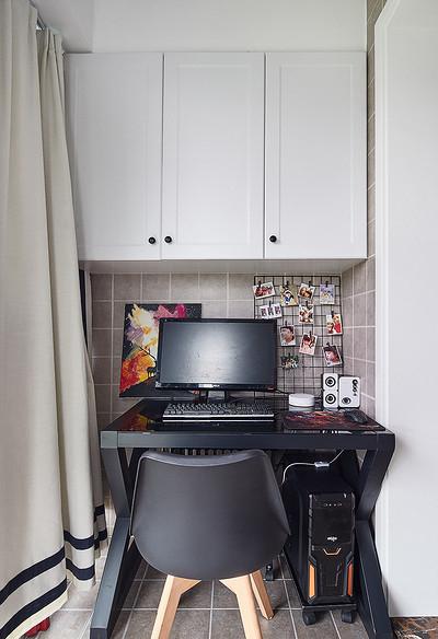阳台图片来自家装大管家在90平极简北欧居 舒适惬意永相随的分享