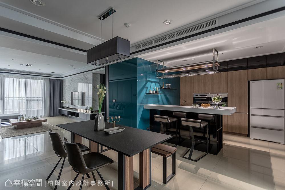 现代 四居 餐厅图片来自幸福空间在超凡脱俗 185平王者之香的分享