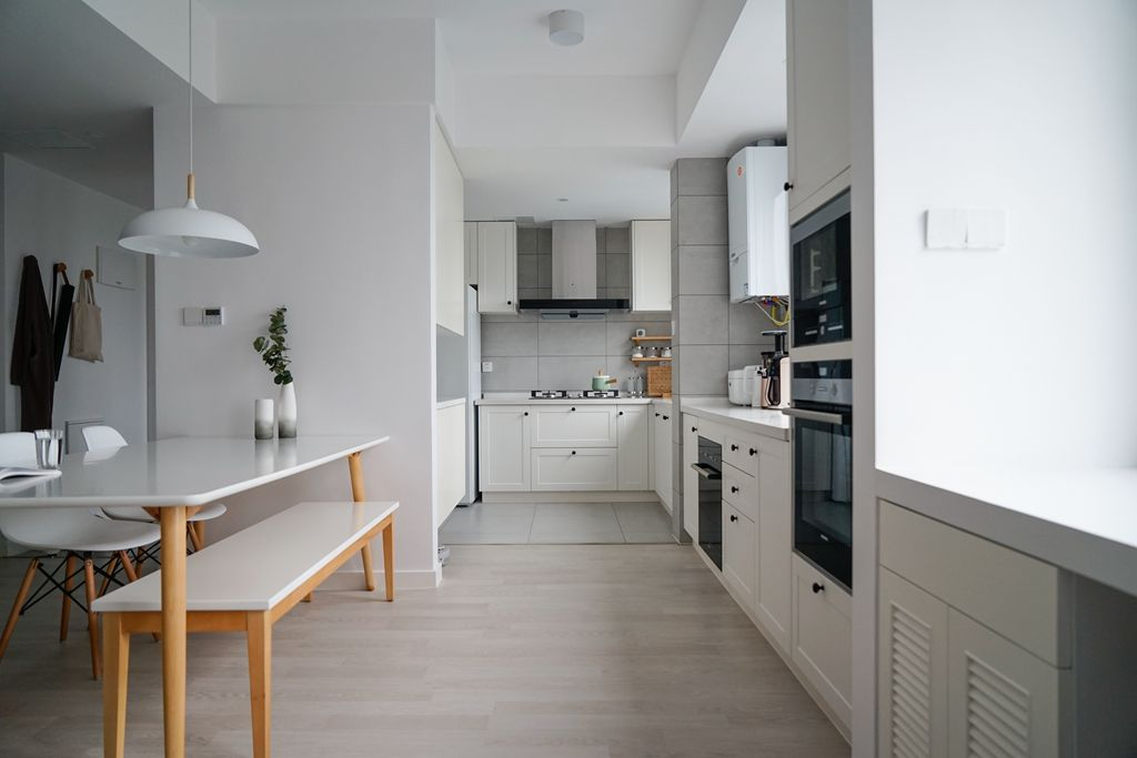 欧式 二居 白领 收纳 80后 小资 厨房图片来自甘肃紫苹果装饰在甘肃紫苹果装饰100㎡北欧案例的分享