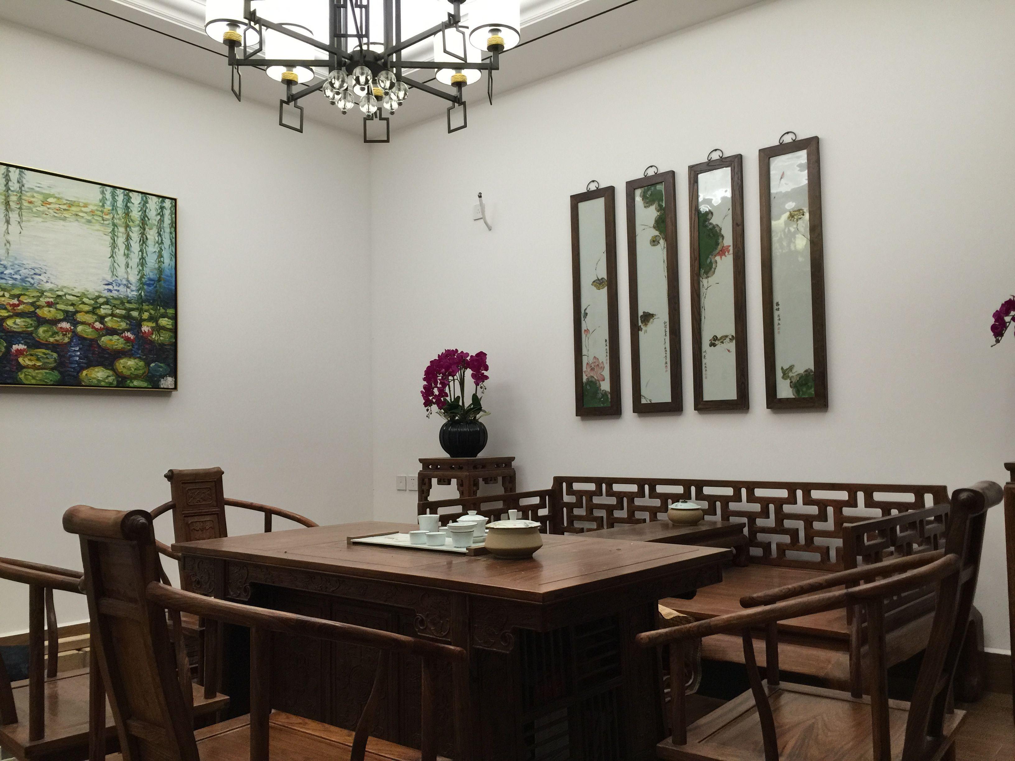 大华西郊别 别墅装修 腾龙设计 中式风格 客厅图片来自腾龙设计在大华西郊300平别墅新中式实景的分享