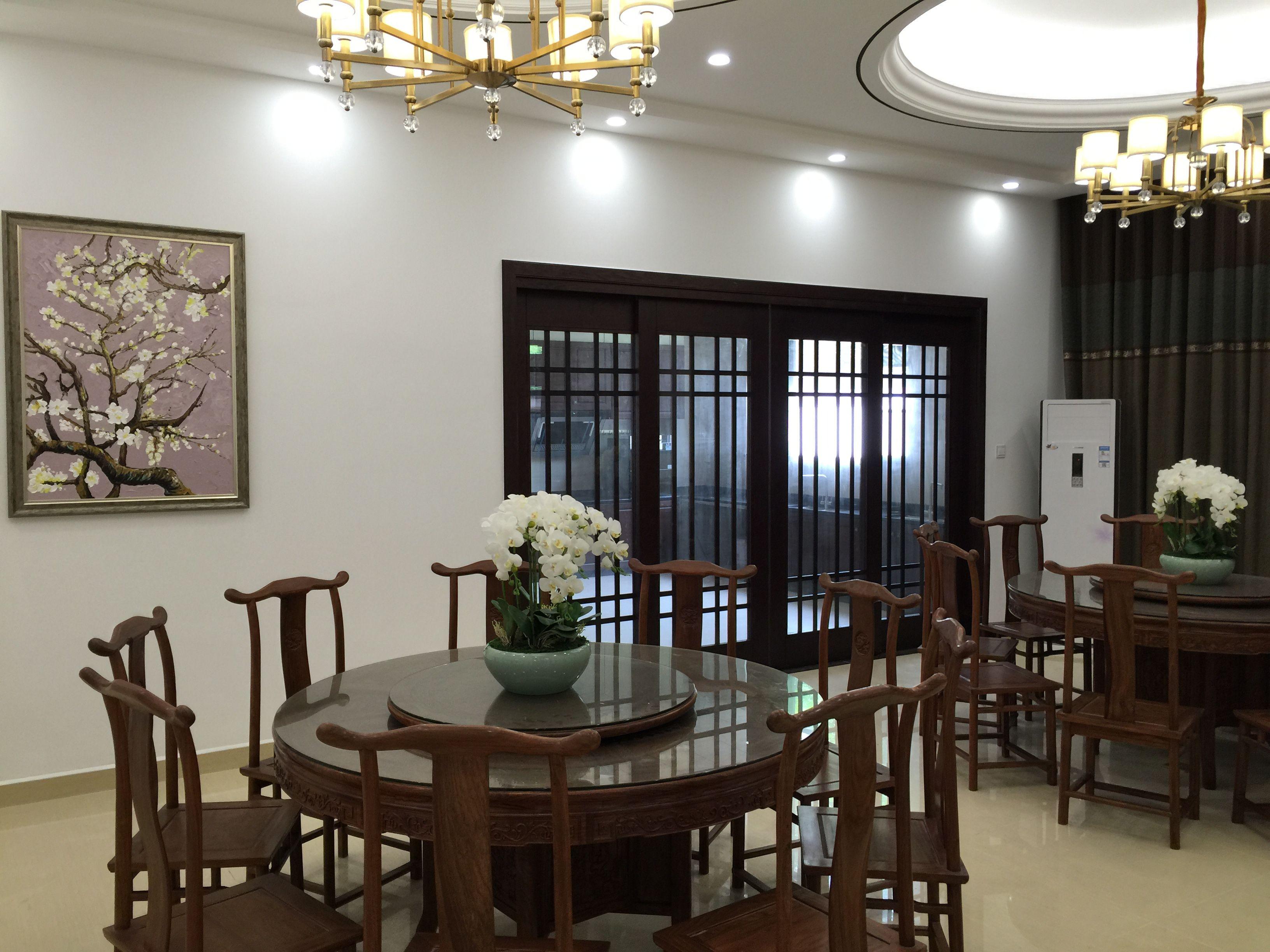 大华西郊别 别墅装修 腾龙设计 中式风格 餐厅图片来自腾龙设计在大华西郊300平别墅新中式实景的分享