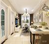 餐桌运用的是白色烤漆桌面,就餐区的背景采用的是装饰挂画,装饰摆架和盆栽的配搭使空间更加自然。