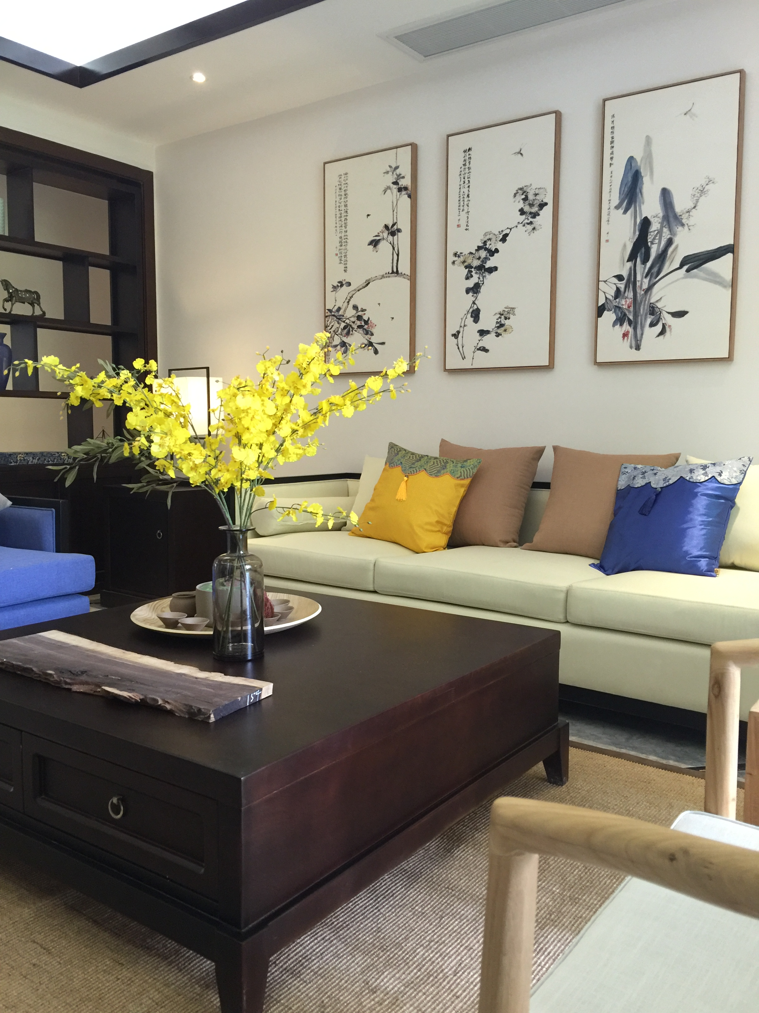 重庆唐卡装 唐卡装饰 新中式 样板间征集 1869685079 跃层 客厅图片来自黄丑丑99在岱山一品——新中式风格的分享