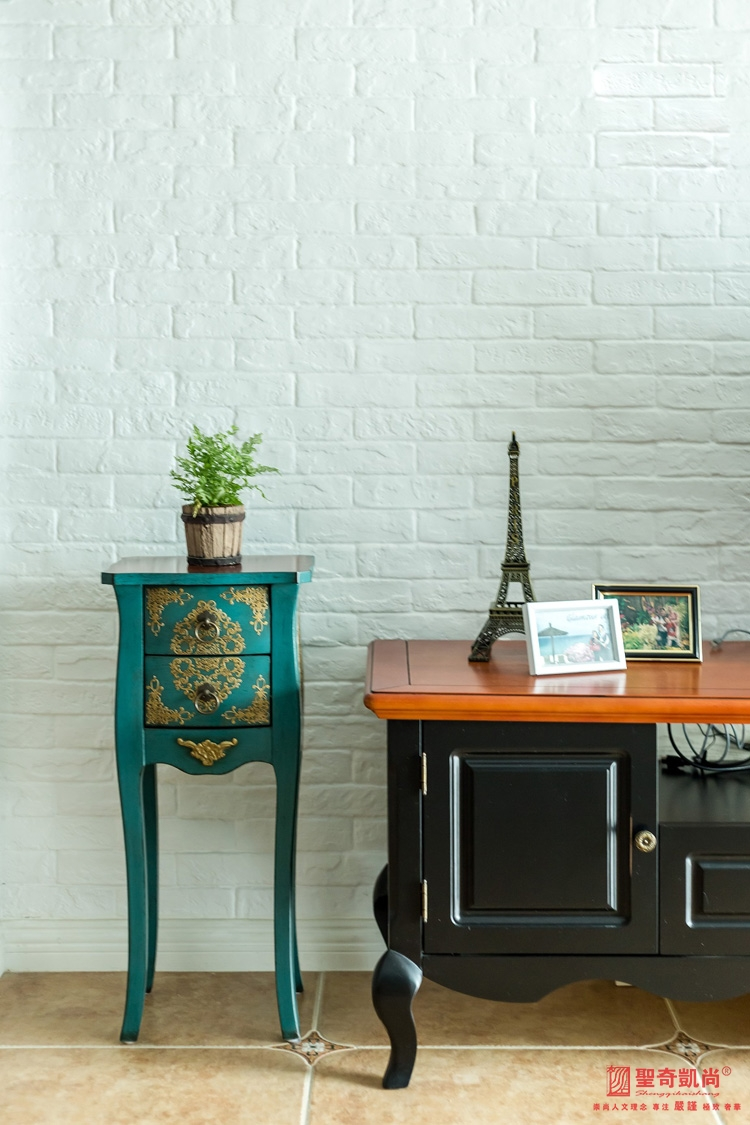 简约 田园 三居 白领 收纳 地中海 客厅图片来自圣奇凯尚室内设计工作室在圣奇凯尚装饰--世华泊郡的分享