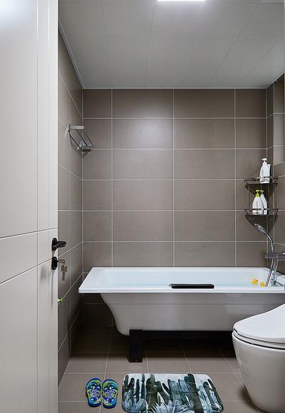 卫生间图片来自家装大管家在让型男心动 70平酷雅工业风公寓的分享