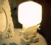 LED声控机器人小夜灯;产品特点:声控+光控双重感应,可以放在家里任何位置,解决黑暗中还要寻找灯源开关的问题。