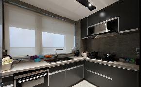 休闲 港式 三居 白领 厨房图片来自家装大管家在幸福的渴望 150平休闲港式3居室的分享