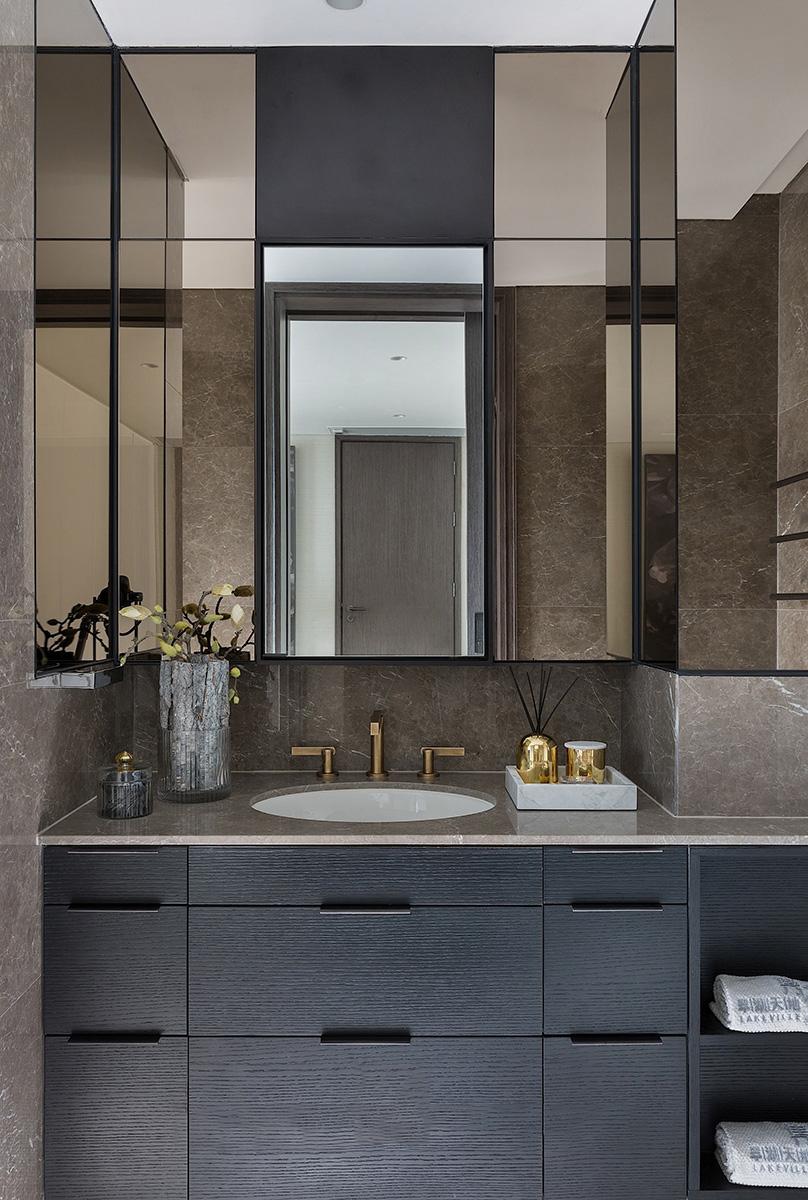 四室 峰光无限 新古典 卫生间图片来自我是小样在海量新英里四室142平新古典设计的分享