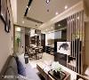 将客、餐厅兼容一室,玻璃与镜面材质的妆点下,替有限的空间创造放大的加乘效果。