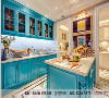 本案例是兄弟装饰创意工场平墅实景样板间展厅,以明媚的色彩设计方案为主要色调,家具的洗白处理能使家具呈现出古典美,而红、黄、蓝三色的配搭,则显露着法式优雅乡村生活的体现。