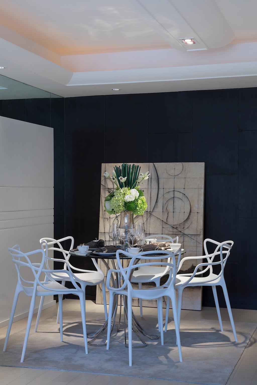 餐厅图片来自我是小样在名城天下三居132平现代简约风格的分享