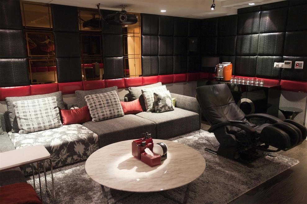四居 现代 简约 东方米兰 峰光无限 客厅图片来自我是小样在东方米兰四室216平现代简约风格的分享