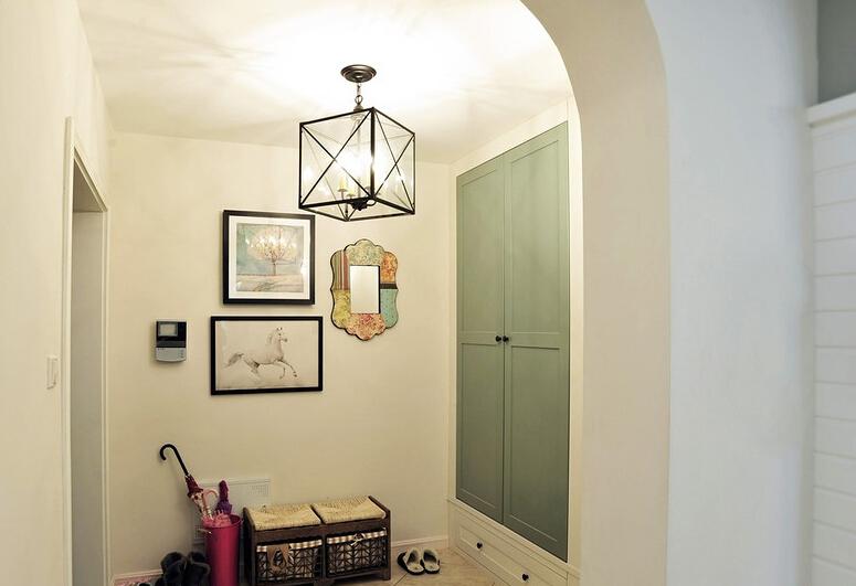 三居 简约 美式 小资 玄关图片来自众意装饰 李潇在曲江千林郡美式风格案例的分享