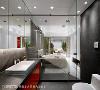 突破传统印象,浴室石板砖穿过玻璃隔间到卧房区,除了视野延伸无阻,也用石板砖呼应切窗带进的自然意象;而浴室则装设有电动窗帘,保有内外隐私。