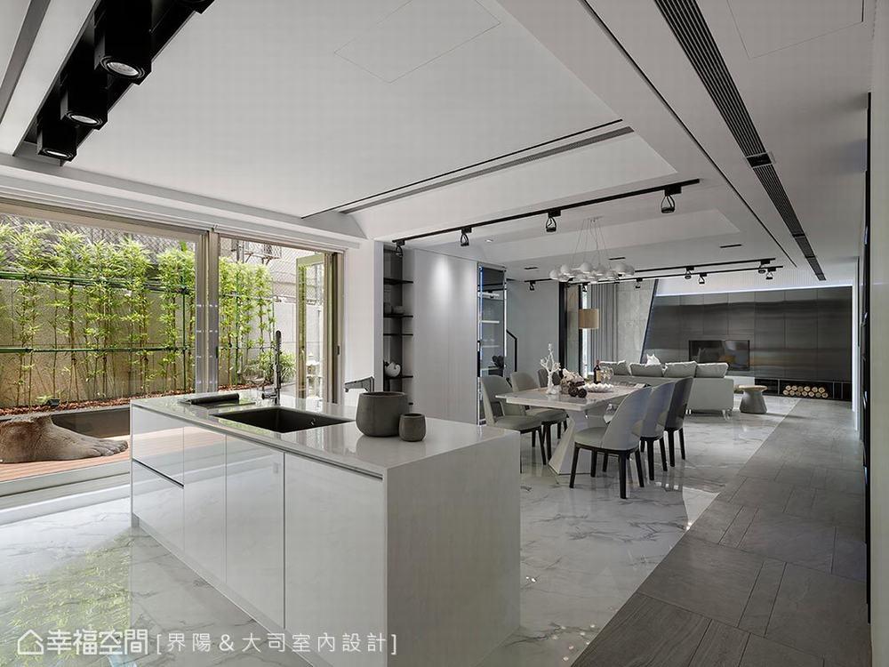 跃层 旧房改造 现代 厨房图片来自幸福空间在317平旧楼变身纽约艺术宅的分享