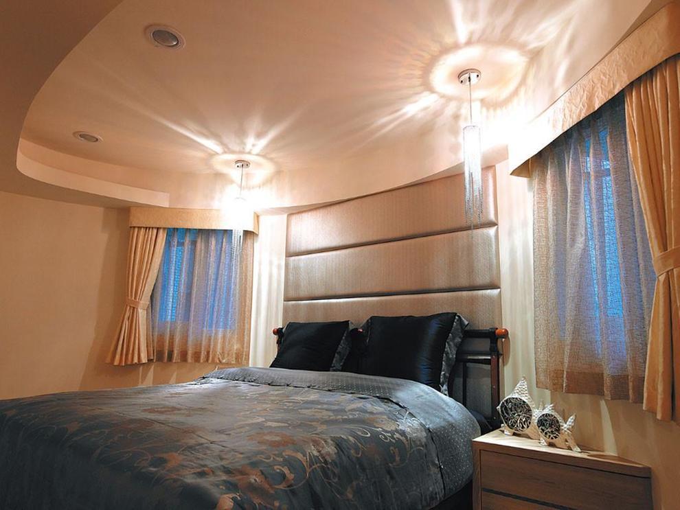 三居 简约 现代 风憬天下 峰光无限 卧室图片来自我是小样在风憬天下三室123平现代简约风格的分享