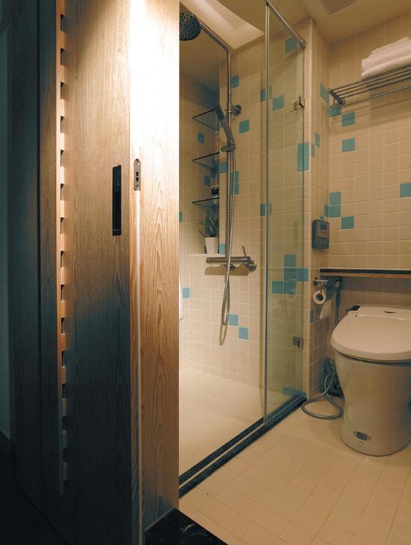 三居 简约 现代 风憬天下 峰光无限 卫生间图片来自我是小样在风憬天下三室123平现代简约风格的分享