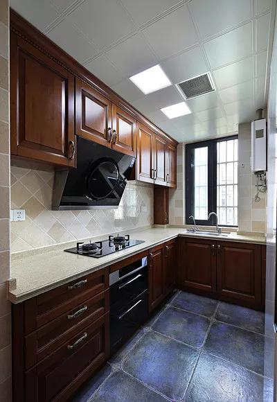 美式 三居 厨房图片来自tjsczs88在106㎡美式雅致风的分享