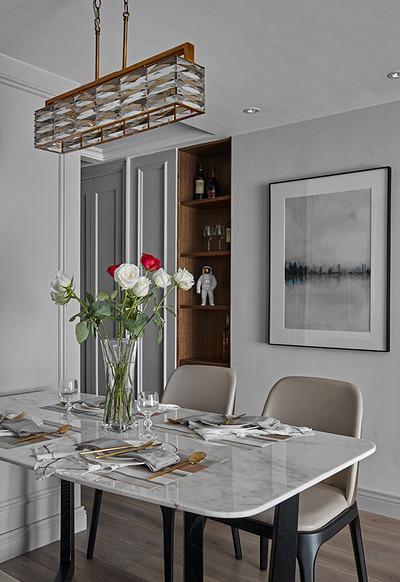 现代 混搭 三居 白领 餐厅图片来自家装大管家在秀外慧中 116平现代混搭风3居的分享