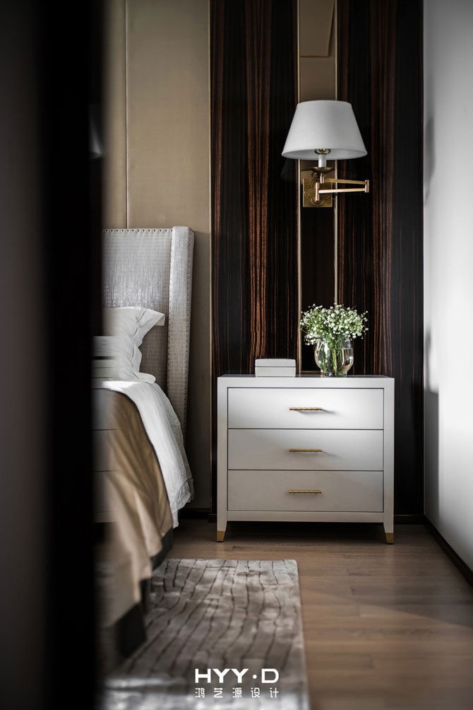 简约 别墅 室内设计 港式轻奢 卧室图片来自郑鸿在都市型格--深圳山语清晖室内设计的分享