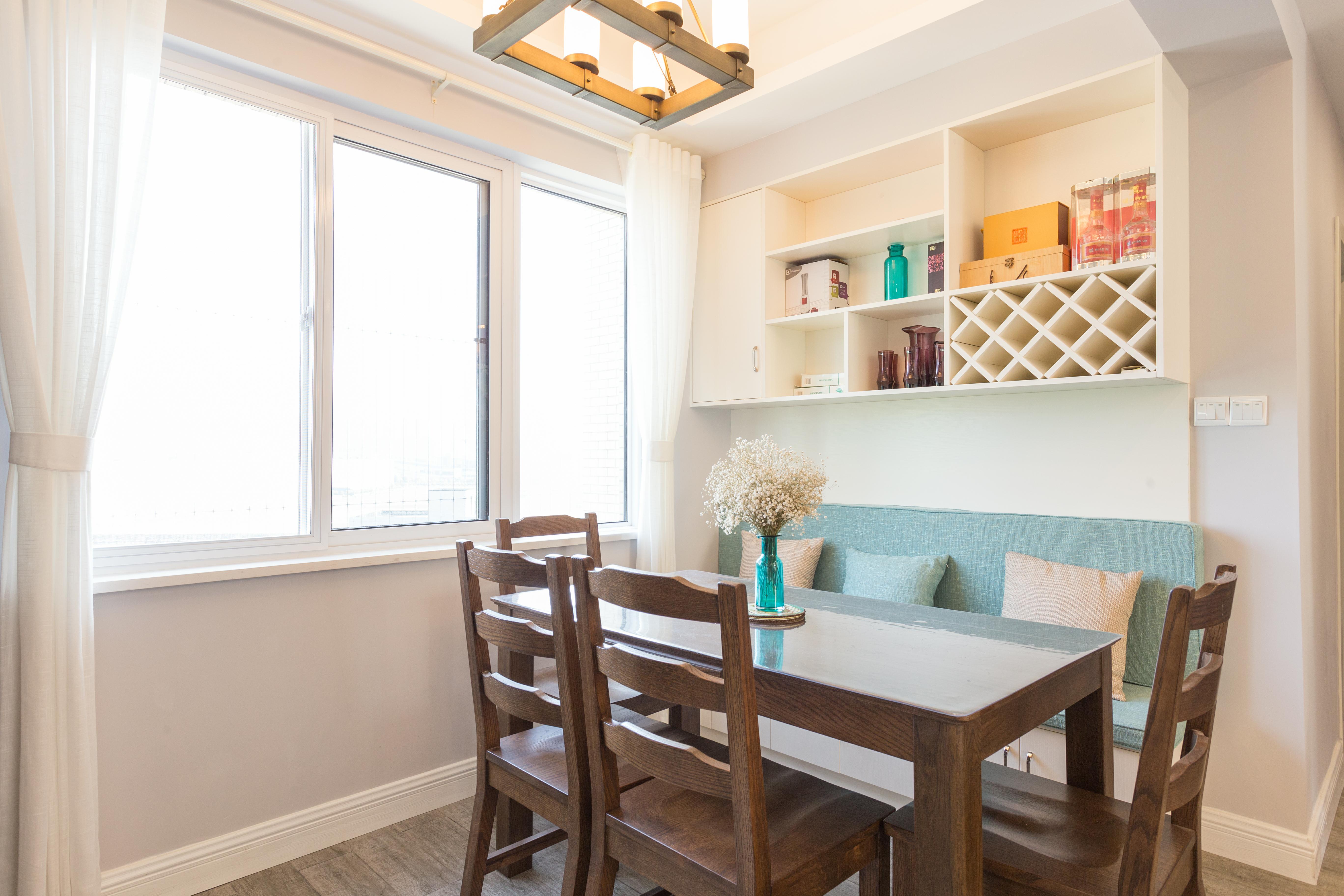 简约 三居 客厅 厨房 餐厅图片来自用户20000004124591在躲避繁杂而又喧闹的最佳地方的分享