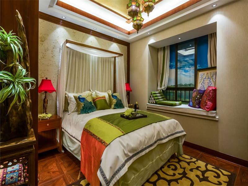 新古典 三居 大户型 收纳 80后 小资 东南亚 卧室图片来自高度国际姚吉智在143平米东南亚风格迷人异域美感的分享