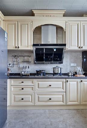 简约 美式 混搭 三居 白领 厨房图片来自家装大管家在118平简约美式3居 舒适自在感觉的分享