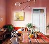 现代简约风格在空间平面设计中不受承重墙限制的自由,墙,地,顶面及家具陈设乃至灯具器皿均以简洁的造型,高品质的材质,精细的工艺为其特征。装修咨询电话:18189667471