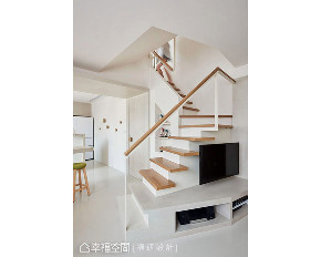 跃层 三居 北欧 楼梯图片来自幸福空间在116平串连的分享