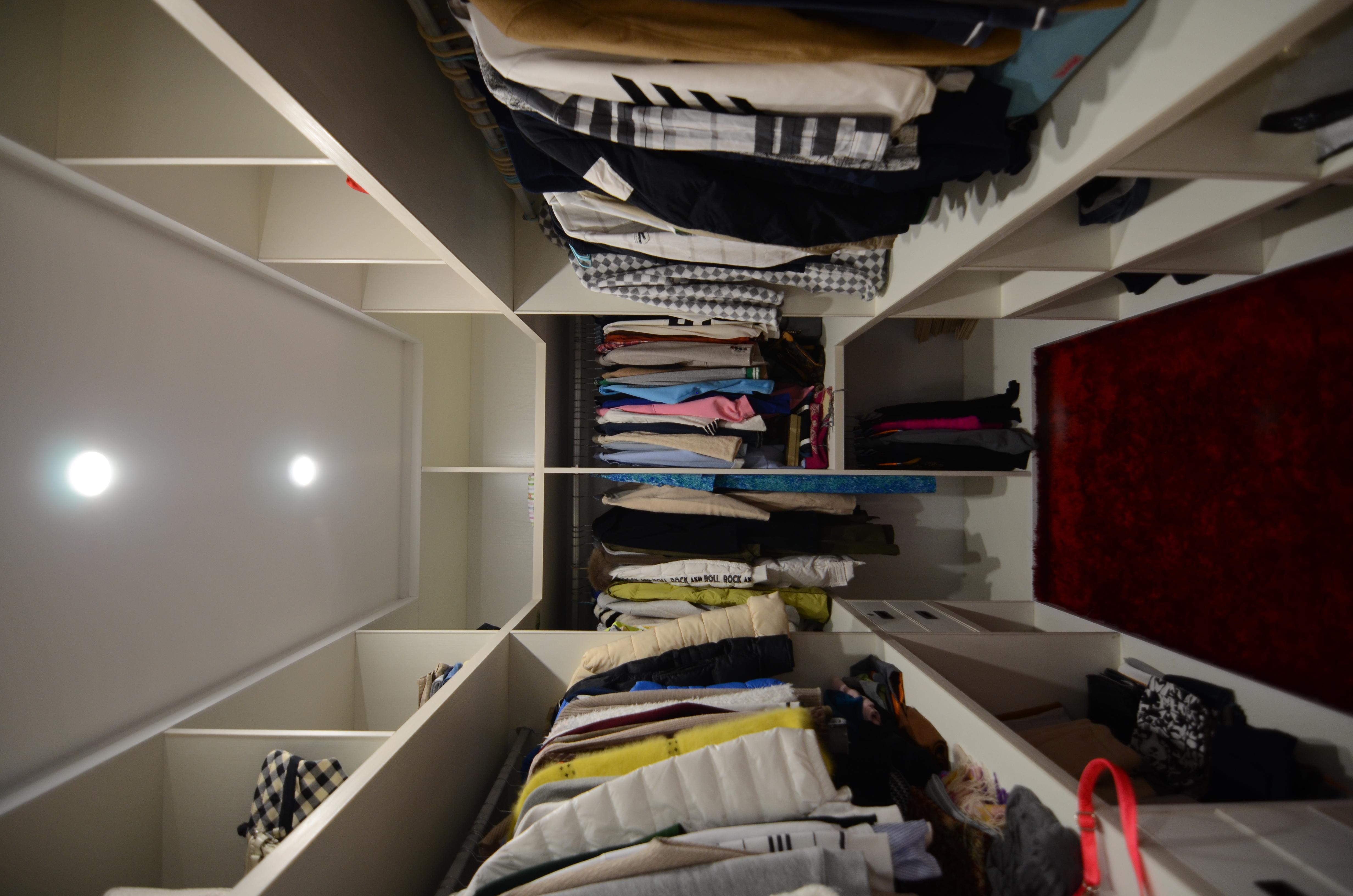 简约 混搭 别墅 白领 80后 小资 收纳 衣帽间图片来自圣奇凯尚室内设计工作室在然·LOVE之融的分享