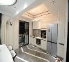 西厨区曲线流线型吊灯的选取,与地面折线流线形成相似却不相同的设计元素,亦为空间增添活跃氛围。