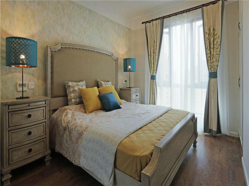美式 三居 四居 大户型 80后 小资 白领 卧室图片来自高度国际姚吉智在160平米简约美式温和安静小资范的分享