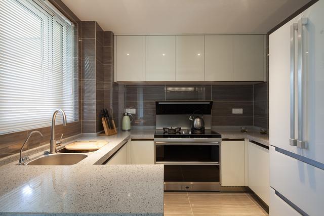 厨房图片来自我是小样在中建昆明澜庭三室98平现代简约的分享