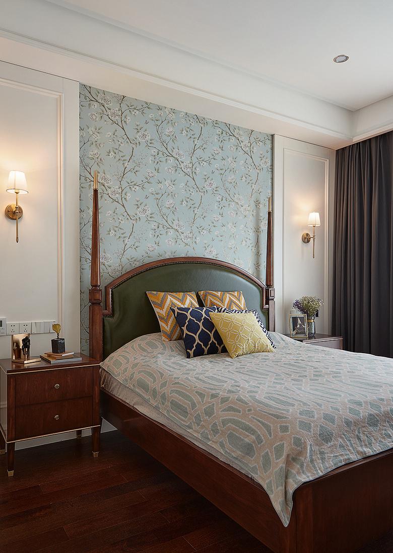 卧室图片来自家装大管家在145平新古典雅致3居 别有风情的分享