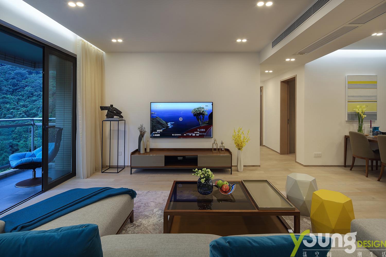 简约 二居 小资 客厅图片来自漾设计在漾设计-山间新雨-深圳云景梧桐的分享