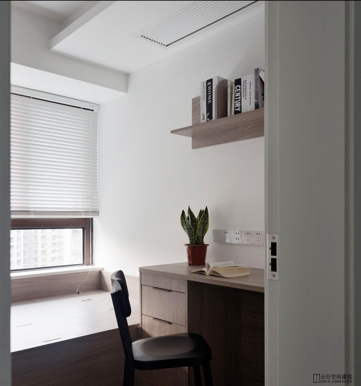 书房图片来自云行设计-邢芒芒在最后的黑白丨理性的家的分享